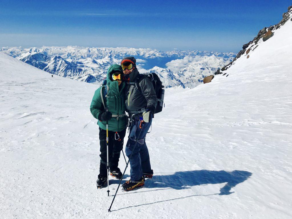 Janiina Kauppinen Mount Elbrusin satulassa